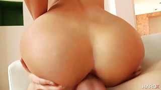 Hot Blonde with Big Butt Can Barely Stand Hard Anal Fucking