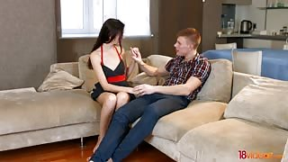 Teen Couple Having Sex with Pussy Cumshot for the First Time